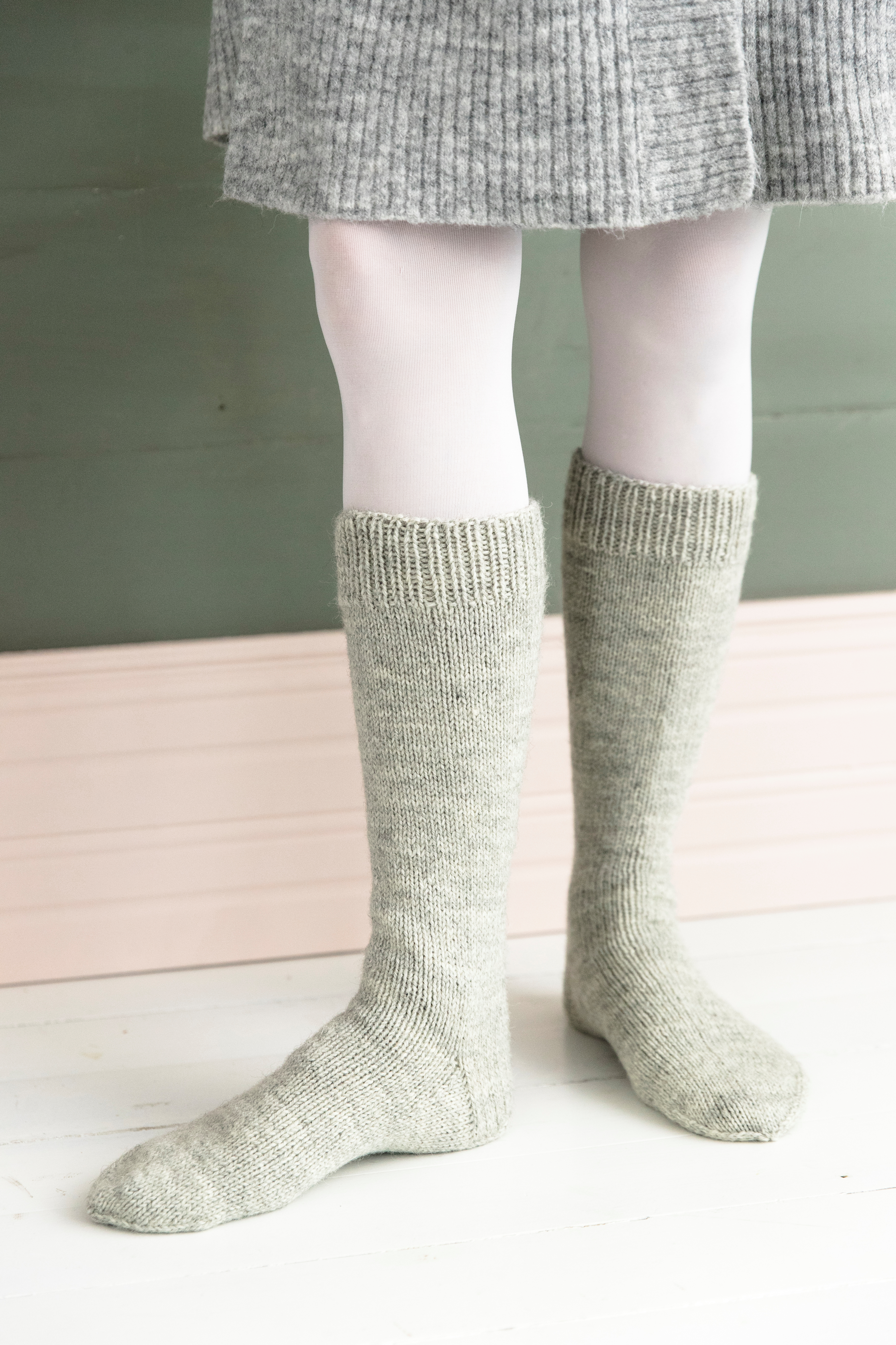 Marjut, 46, neuloo tajuttoman hienoja villasukkia, joista jokaisella on yksilöllinen tarina – katso kuvagalleria!