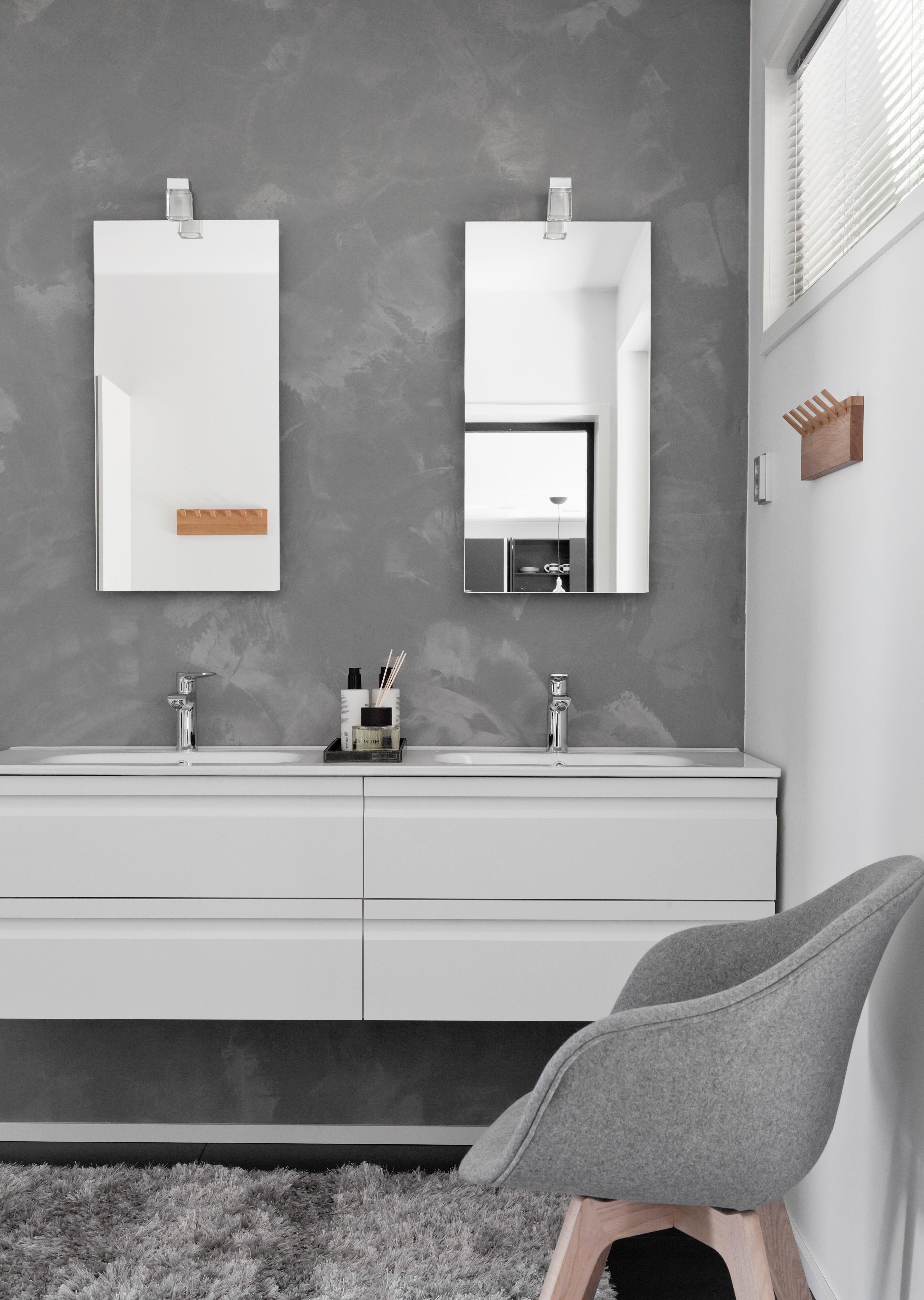 Monipuolisesti kylpyhuonevalaisimet kylpyhuoneeseen ja saunaan