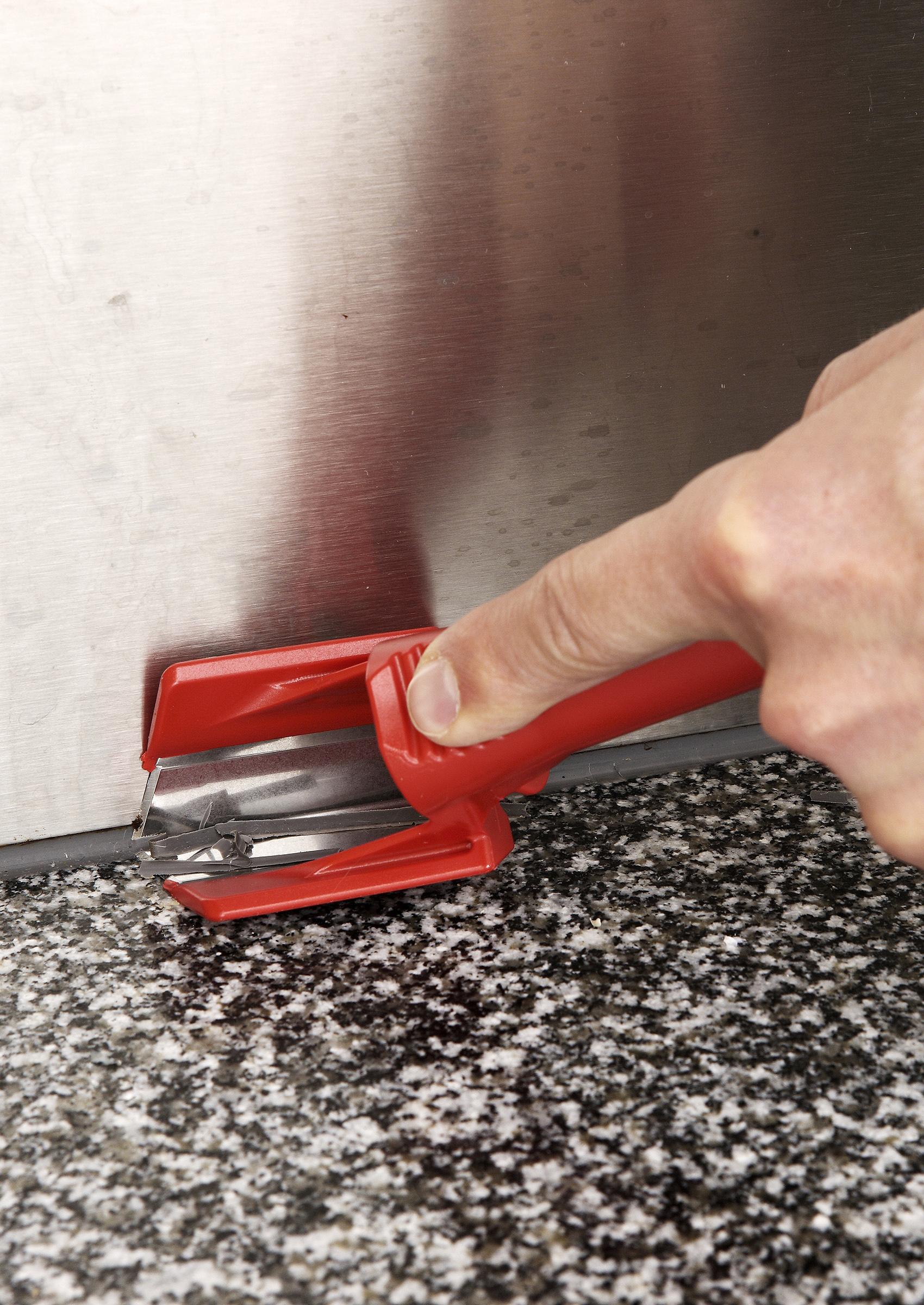 kylpyhuoneen silikonisaumojen uusiminen
